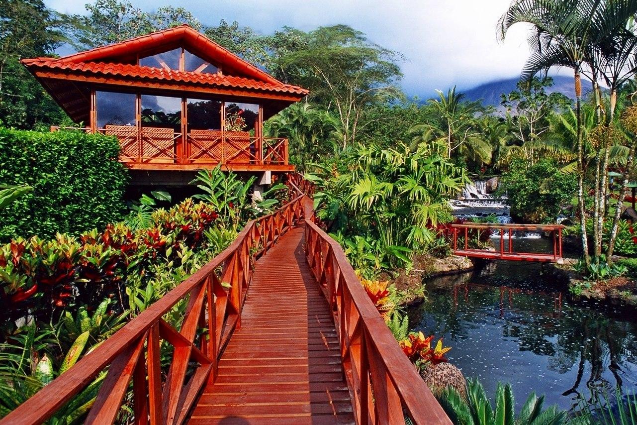 tabacon_1_lush-gardens-tabacon-resort.jpg