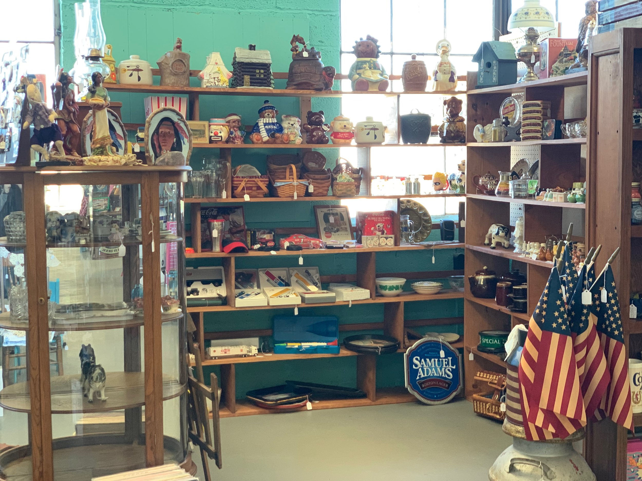 Jeff's Antiques etc. - Variety of Collectibles & Antiques! (Cookie Jars, Coca-Cola Collectibles, Glassware, etc.)