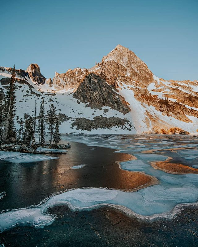 I sat out on that point and watched the sunrise. The Sawtooth lakes are so surreal.