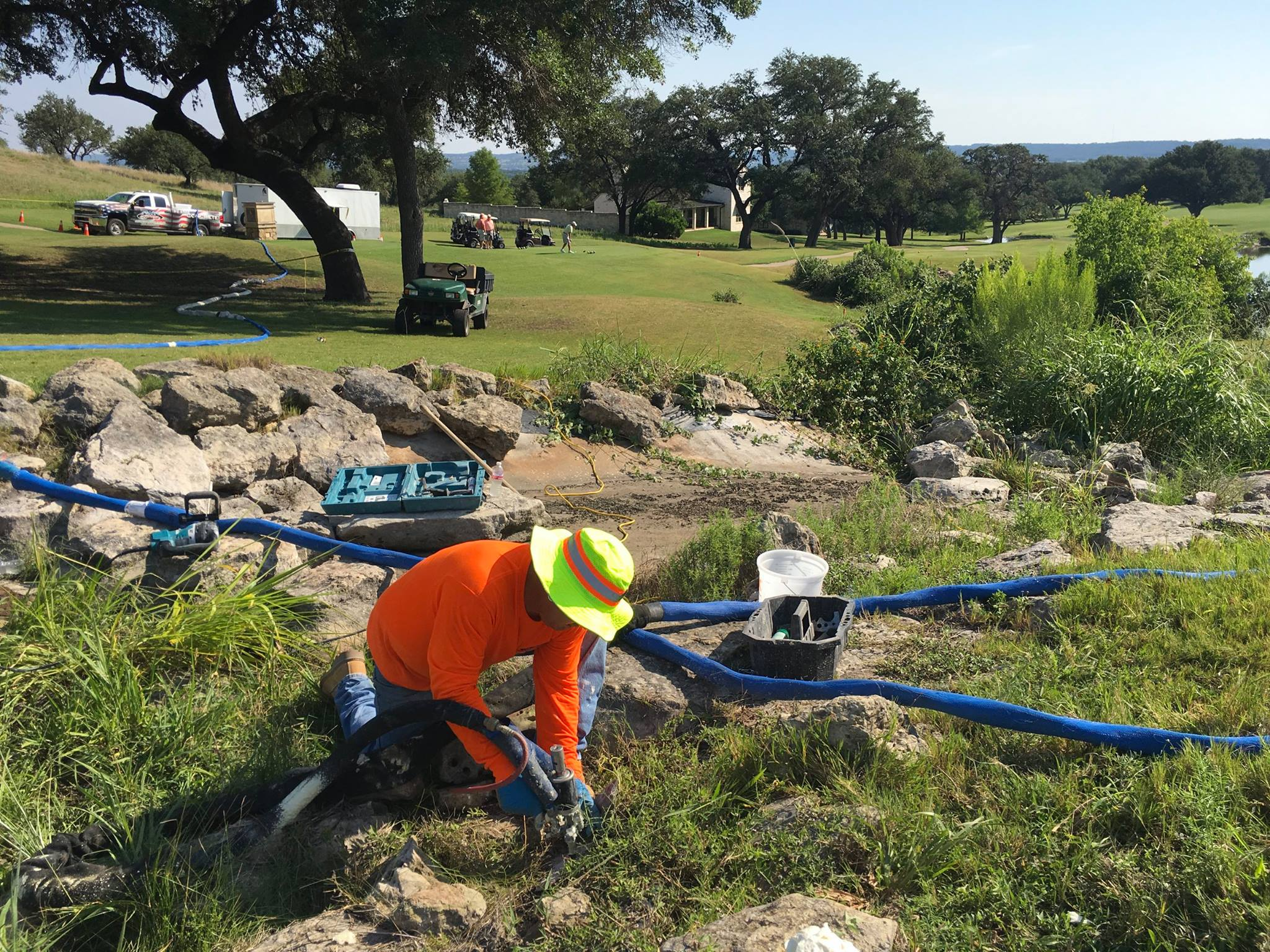 INJECTION TO STOP LEAK @ GOLF COURSE DAM