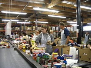 LA REGIONAL Food Bank - Most Saturdays from 8am - 12pm, families with children ages 14+ are needed to help sort, inspect, and repackage donated food items from local food drives as well as assemble food packages for over 26,000 low income seniors, women with infants, and children in Los Angeles County. Locations vary depending on event - check the calendar for further information.www.lafoodbank.org/