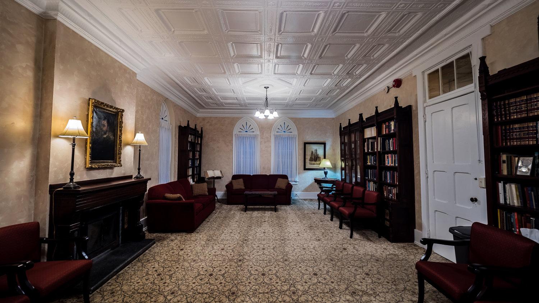 The-DeKoven-Center-Taylor-Hall-Library-01.jpg