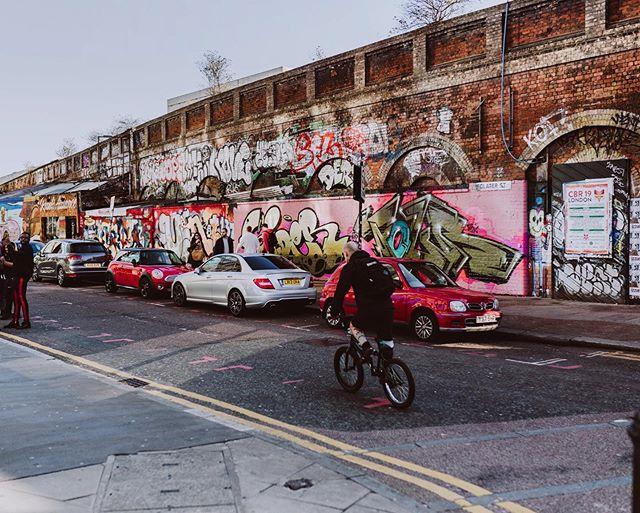 #EastLondonLife #ShoreditchStreetArt #HoxtonSpirits💥⠀ ⠀ #ExploringEast #EastLondon #EastisBest #EastisEast #HoxtonGin #HoxtonPink #HoxtonBananaRum #UrbanJunkies #HoxtonRum #PremiumSpiritsWithAttitude #EastLondonLiving #EastVibes #LondonLife #Refuse #Resist #Rebel #Revolt #Shoreditch #LoveHoxton #ShoreditchLondon #Hackney #Streetstyle #StreetLife #ShoreditchGraffiti #ShoreditchHighStreet #HoxtonLife #SpiritsWithAttitude ⠀