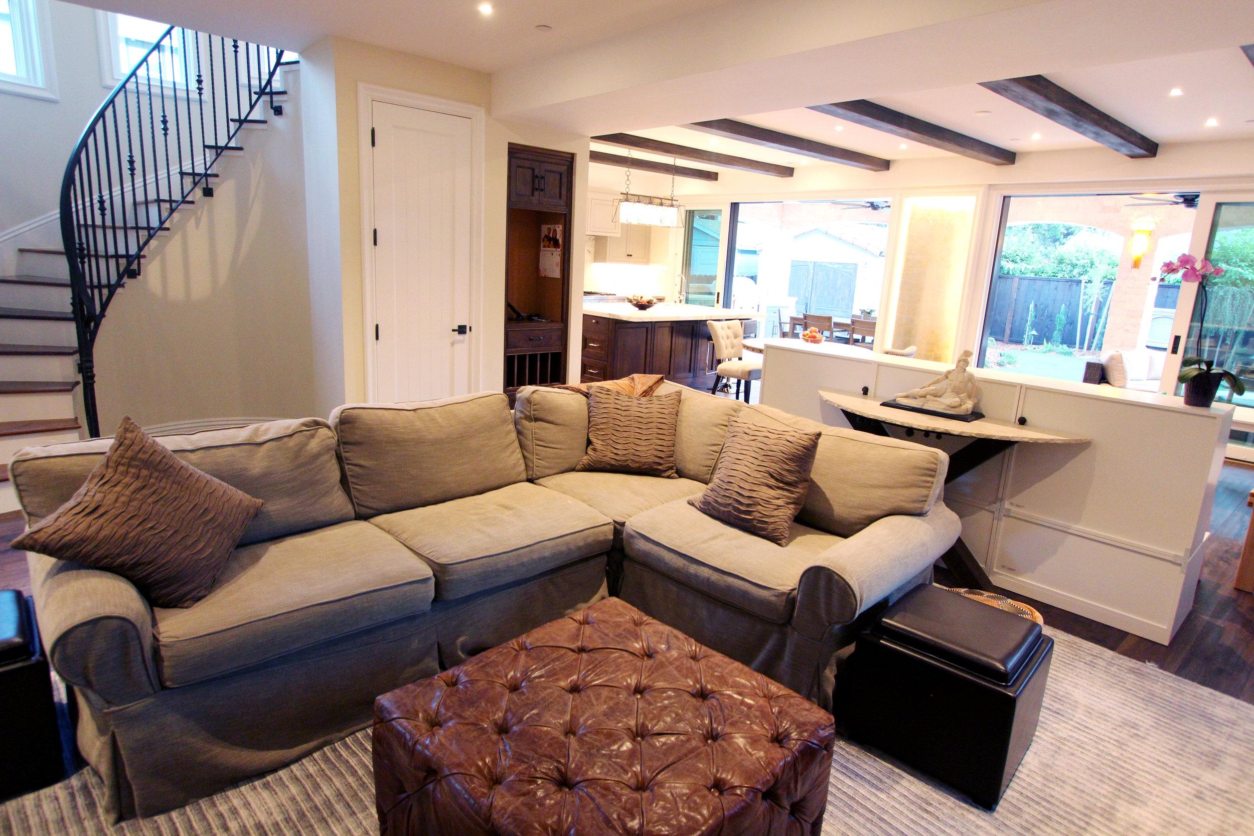 fulton_living_room_reverse.jpg