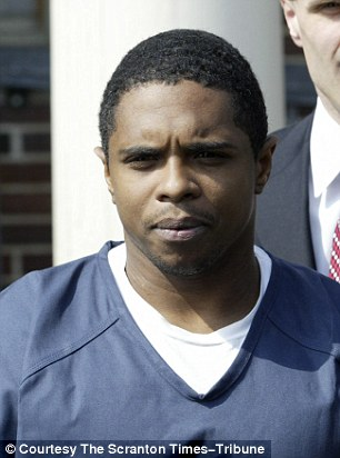 234CED0000000578-2840993-Hicks_will_be_formally_sentenced_on_January_6_Pictured_above_aft-36_1416417156713.jpg