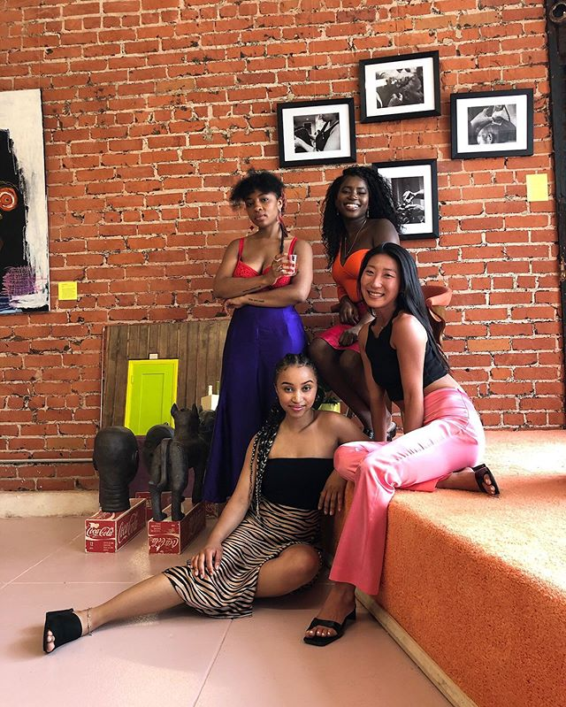 """Thank you @hannahbokchoy @mimi_moments @busybeingsha @reparations.club @crwnmag and EVERY beautiful soul that came through on 6/11 for the @crwnmag x @shopbabytress documentary screening. It was DOPE spending my birthday in a room full of genuine support for something myself and my team have put our hearts, energy, and many many tears into. Beyond thankful to be apart of something bigger than me, and even more thankful to know that y'all really fucking it 👌🏽 If you haven't already, shop the Edge Styler at @shopbabytress and watch the docu """"How We Do: Edges"""" on @crwnmag's IGTV 💥"""
