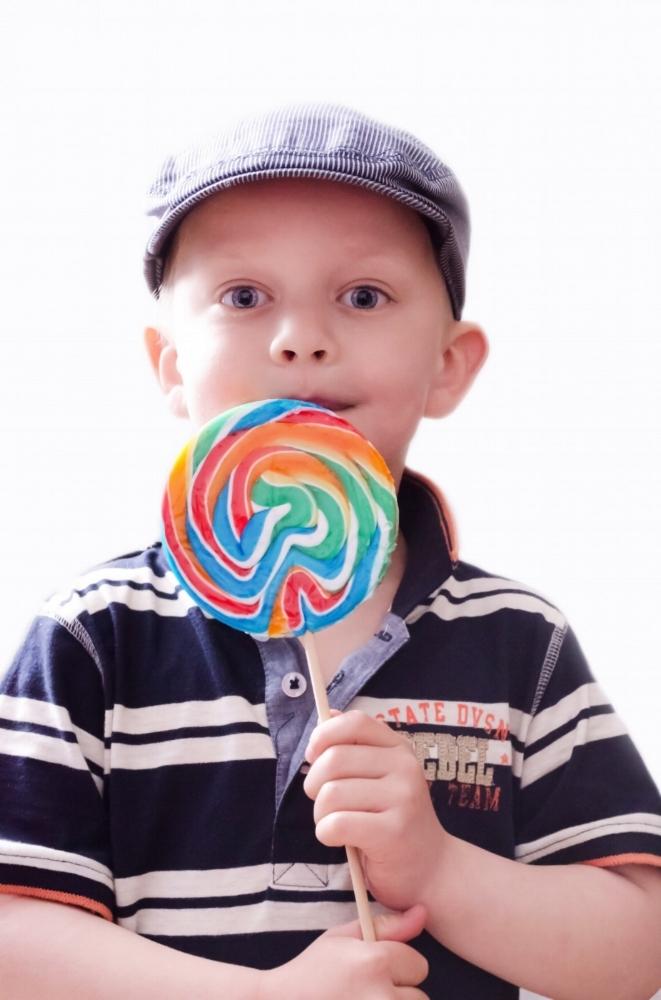 child-with-lollipop.jpg