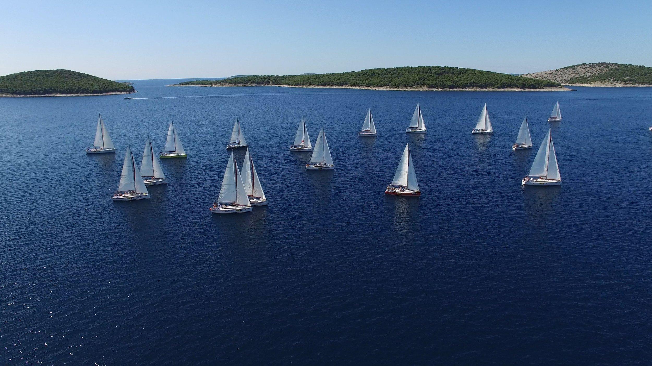 blue-boats-daylight-358326.jpg