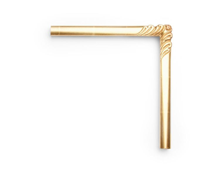 Gold Ornate Corner This 1-inch frame has ornate, swept carved corners and softly rounded minimal surfaces. The finish shown is yellow gold with a red clay.