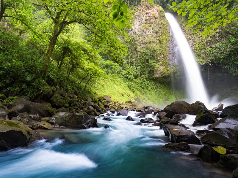 costa-rica-waterfall@2x.jpg