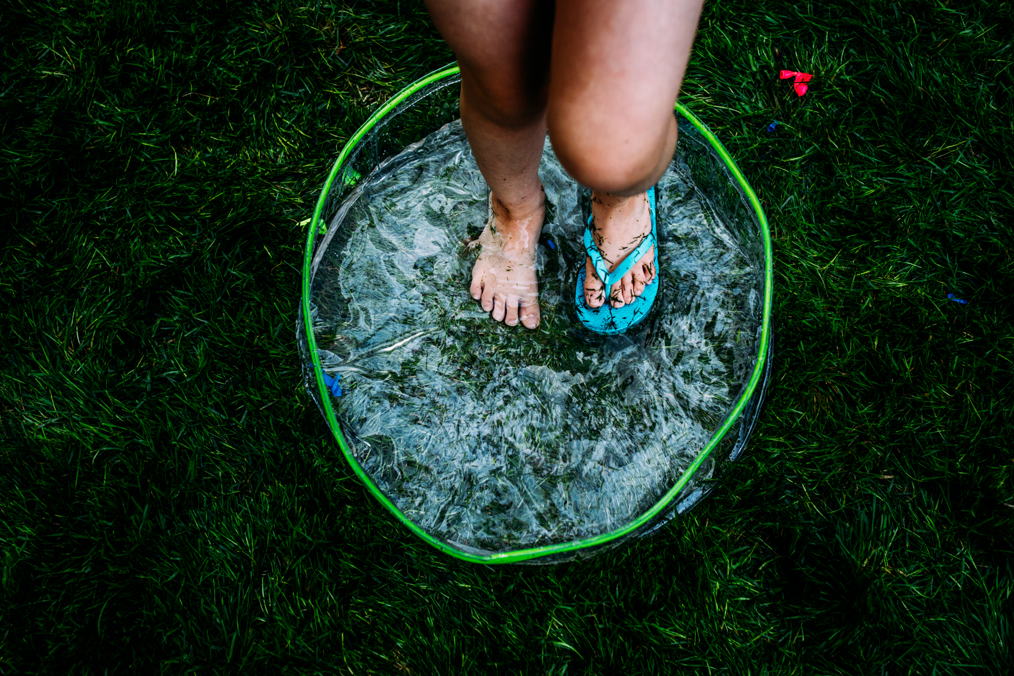 summer sprinkler mini session by seattle family photographer anna nodolf-15.jpg