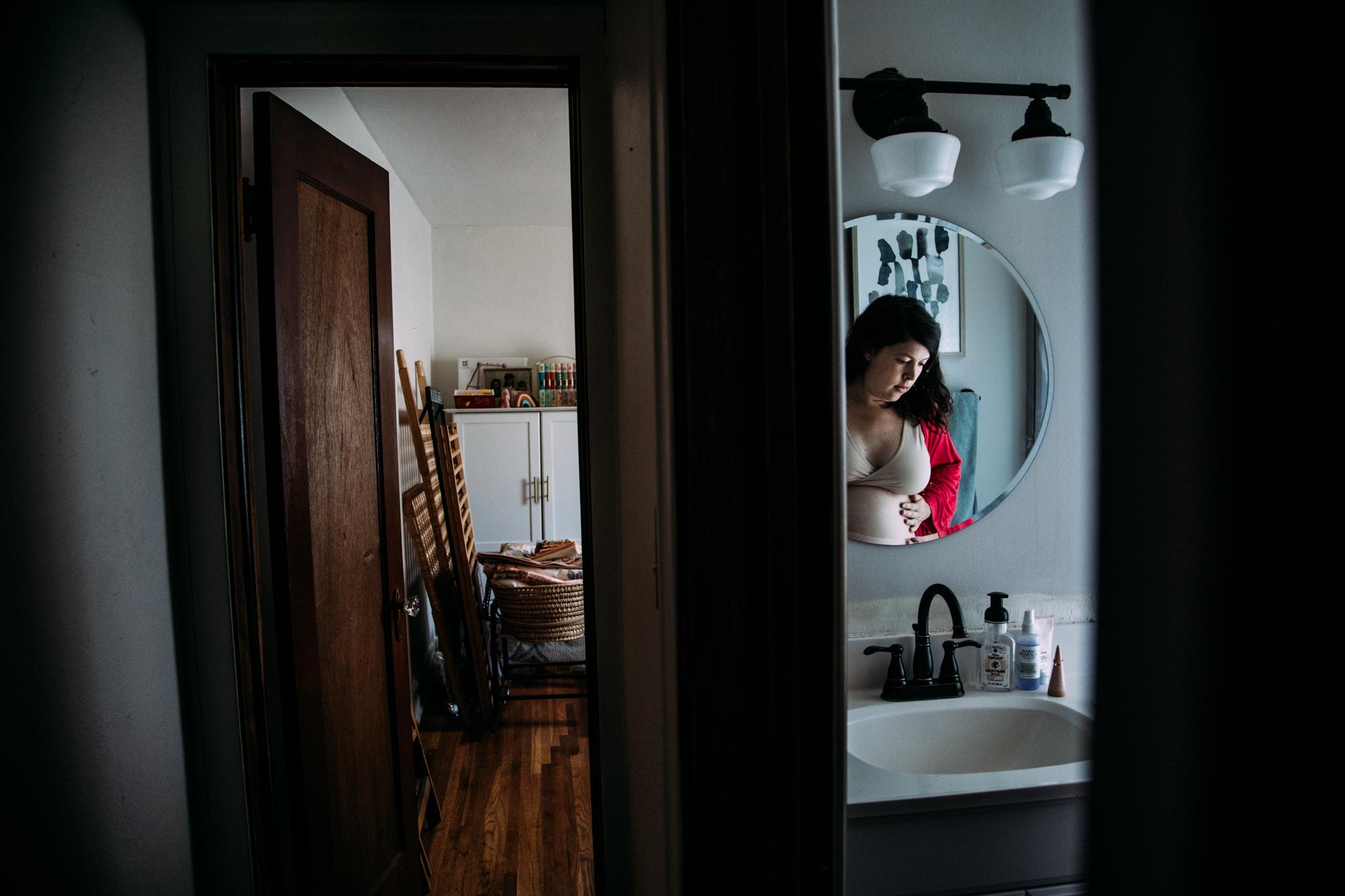 maternity portraits in spokane by seattle family photographer anna nodolf
