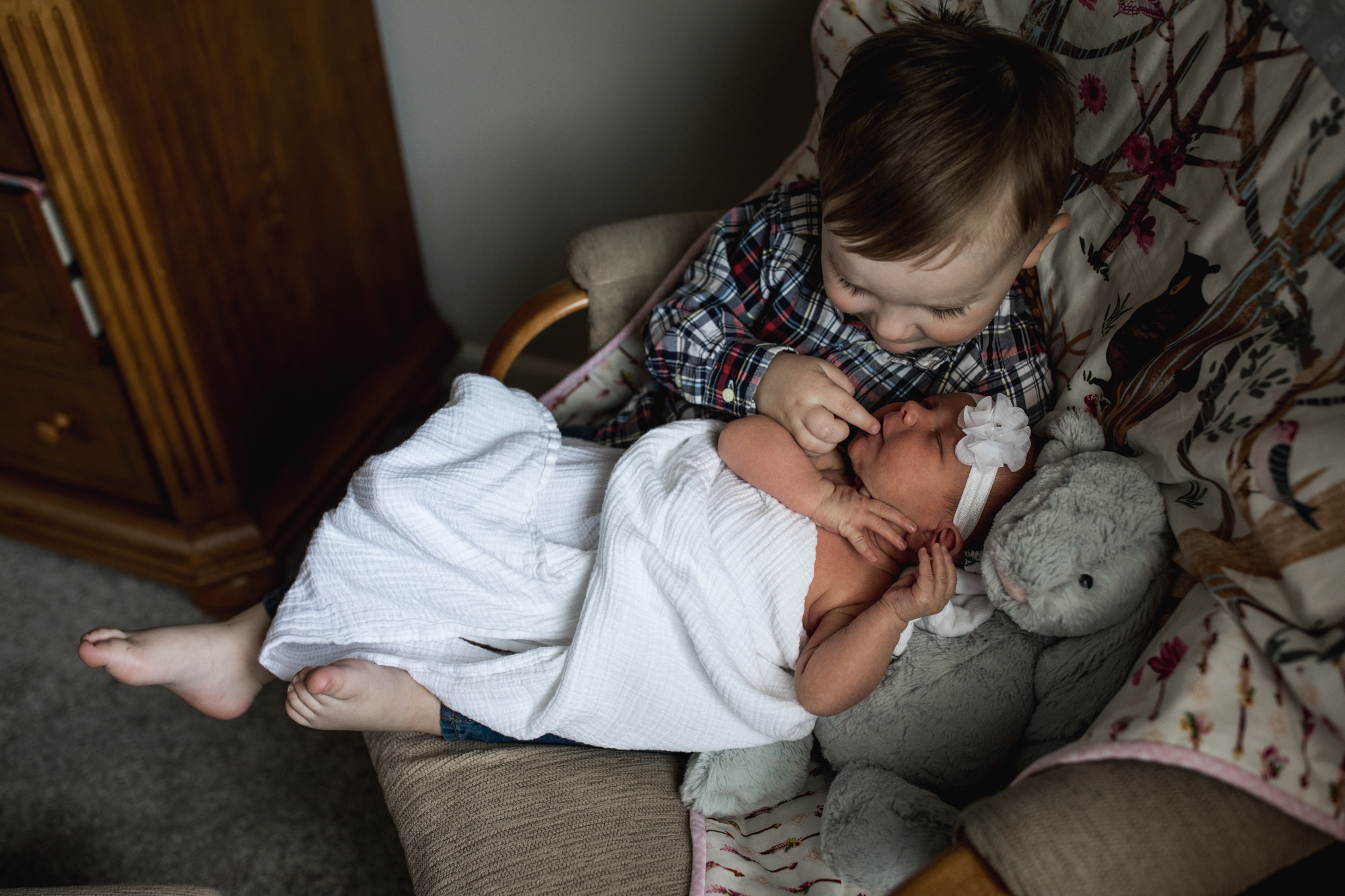Seattle documentary family photographer Anna Nodolf - in home newborn session in Tehaleh, WA