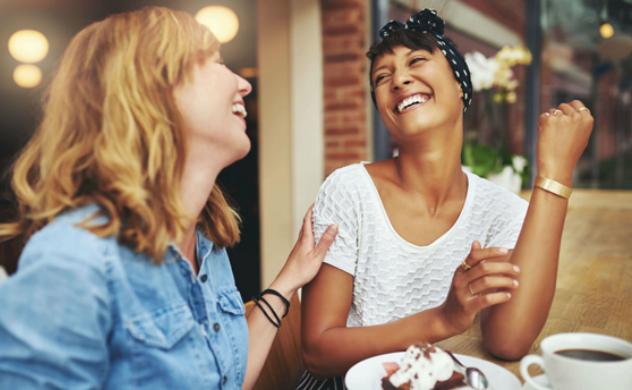 DENTISTERIE ESTHÉTIQUE - La dentisterie esthétique permet d'améliorer les aspects qui vous dérangent de votre sourire. Que ce soit la forme, la coloration ou l'alignement de vos dents, notre équipe peut vous aider.Facettes de porcelaine ou de composite (plombage blanc)Fermeture de diastème (espace entre les dents)Blanchiment des dents