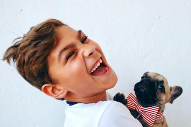 ORTHODONTIE - Nous offrons surtout un service d'orthodontie préventive qui consiste à dépister et traiter les problèmes orthodontiques chez les enfants avant la fin de la croissance. Dans plusieurs cas, lorsqu'on intervient tôt, il est possible de corriger le manque d'espace et de favoriser l'éruption des dents permanentes dans la bonne position.Orthodontie fixe (broches)Orthodontie amovible (appareils)Expansion palatineMainteneur d'espace suite à la perte prématurée d'une dent primaire