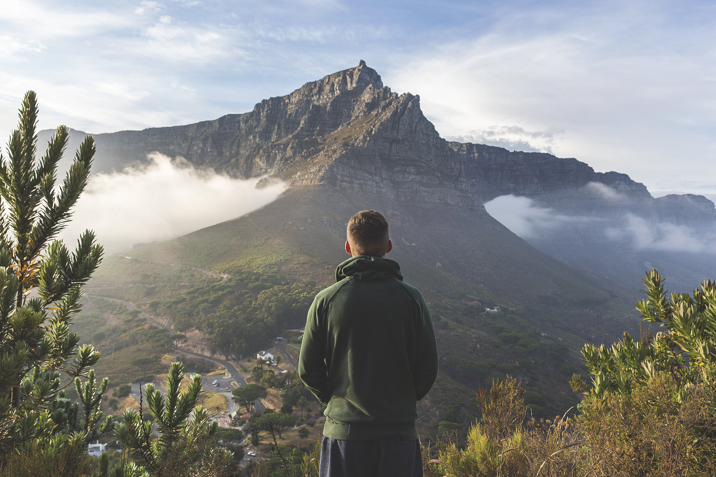 top 5 hiking trails - Tug on those hiking boots and follow us on some of the many amazing hiking trails spread across Cape Town and the surrounding areas