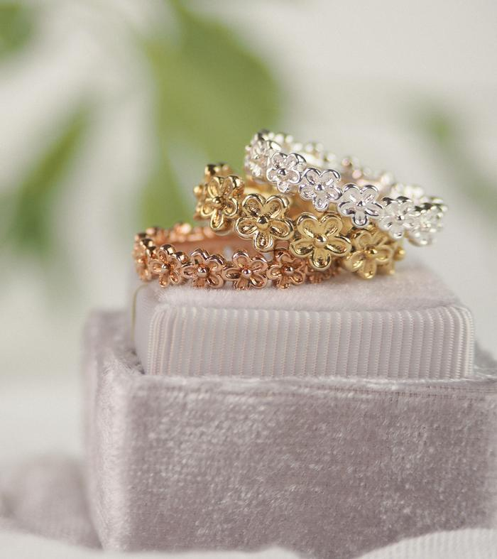 Gold_Flower_Stacking_Rings_Rachel_Whitehead_Jewellery_221_700x.jpg