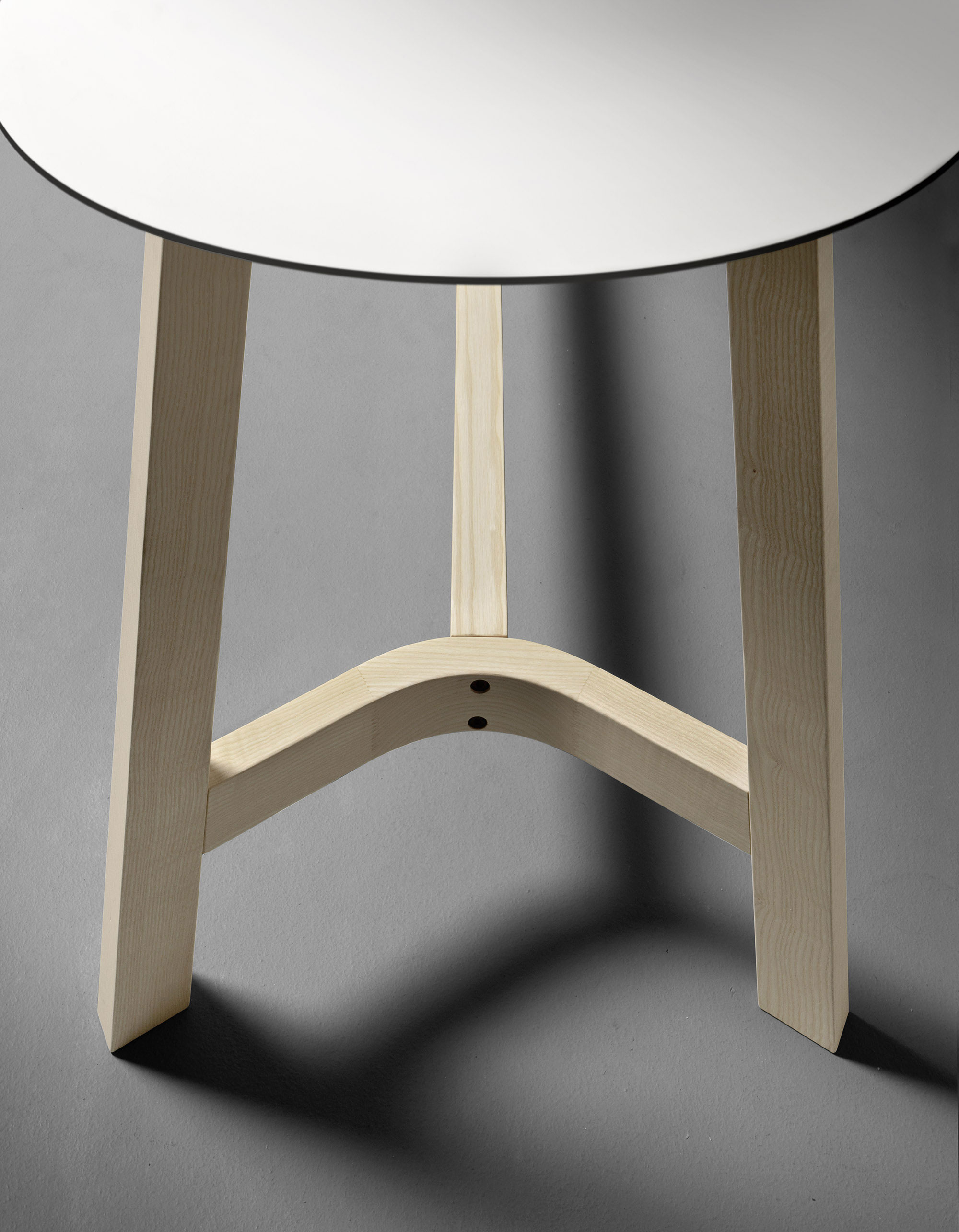 VERY_WOOD_Rond_Table_T07FX_detail_web.jpg