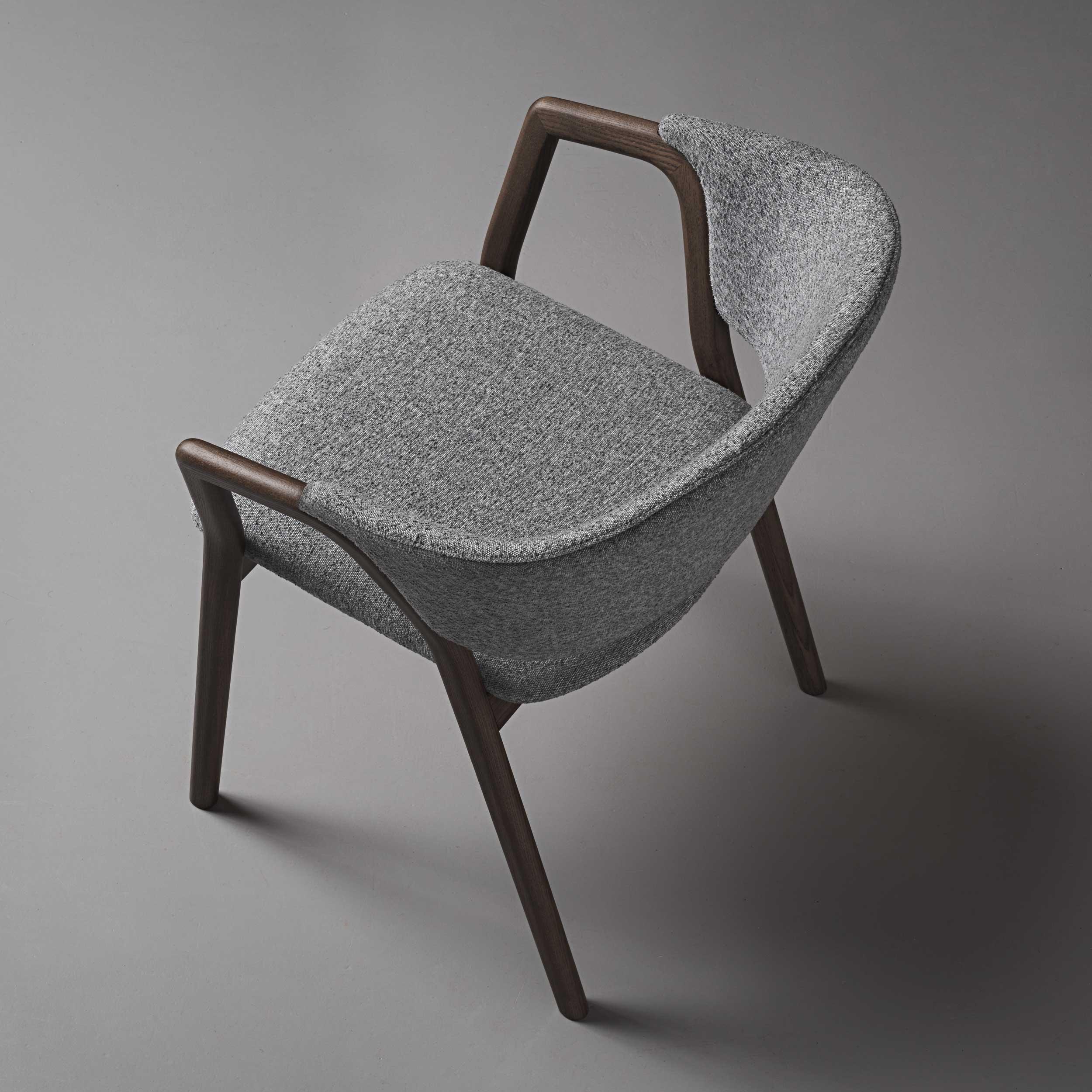 VERY_WOOD_CAMDEN_armchair_studio_06_web_.jpg
