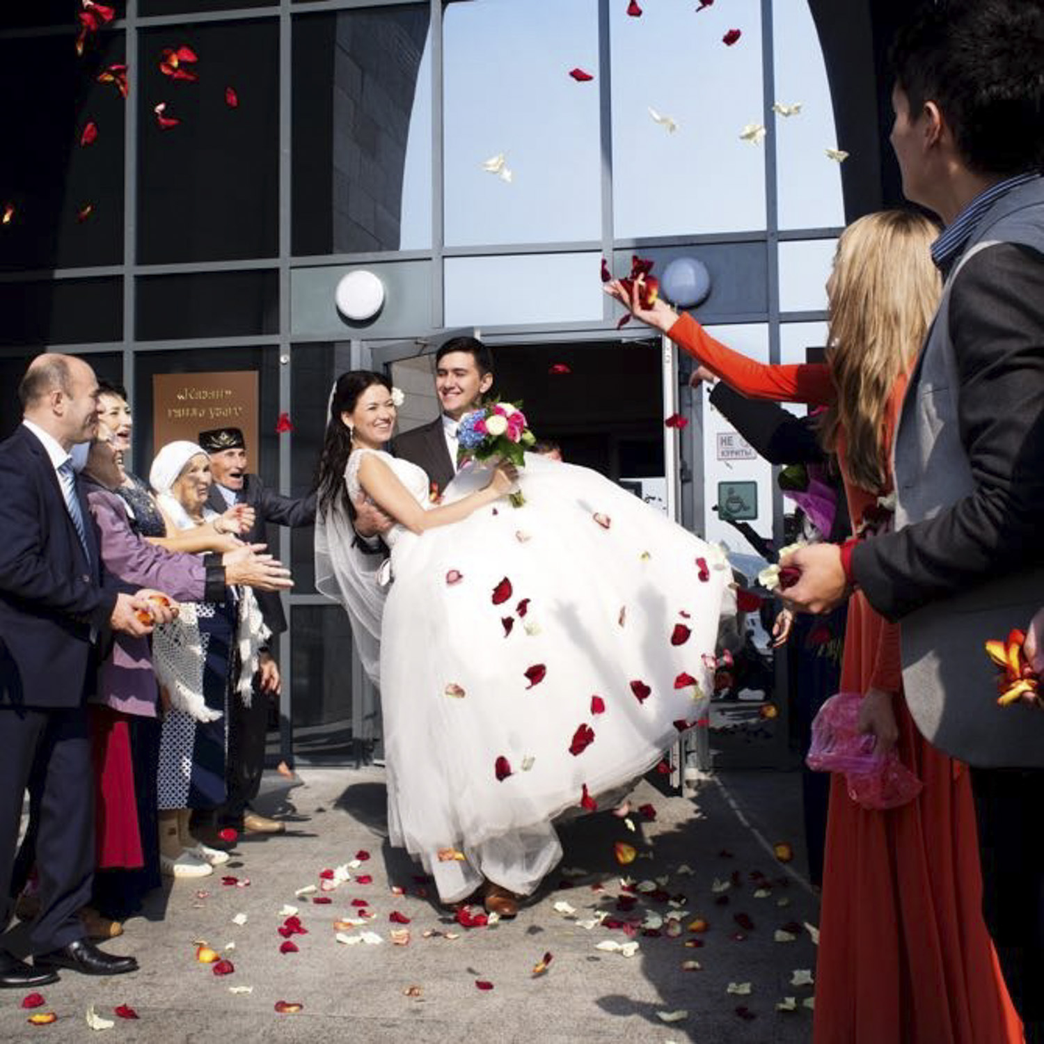 The new registrar office in Kazan (Saks). Wedding parties are processed like on a high speed production line.