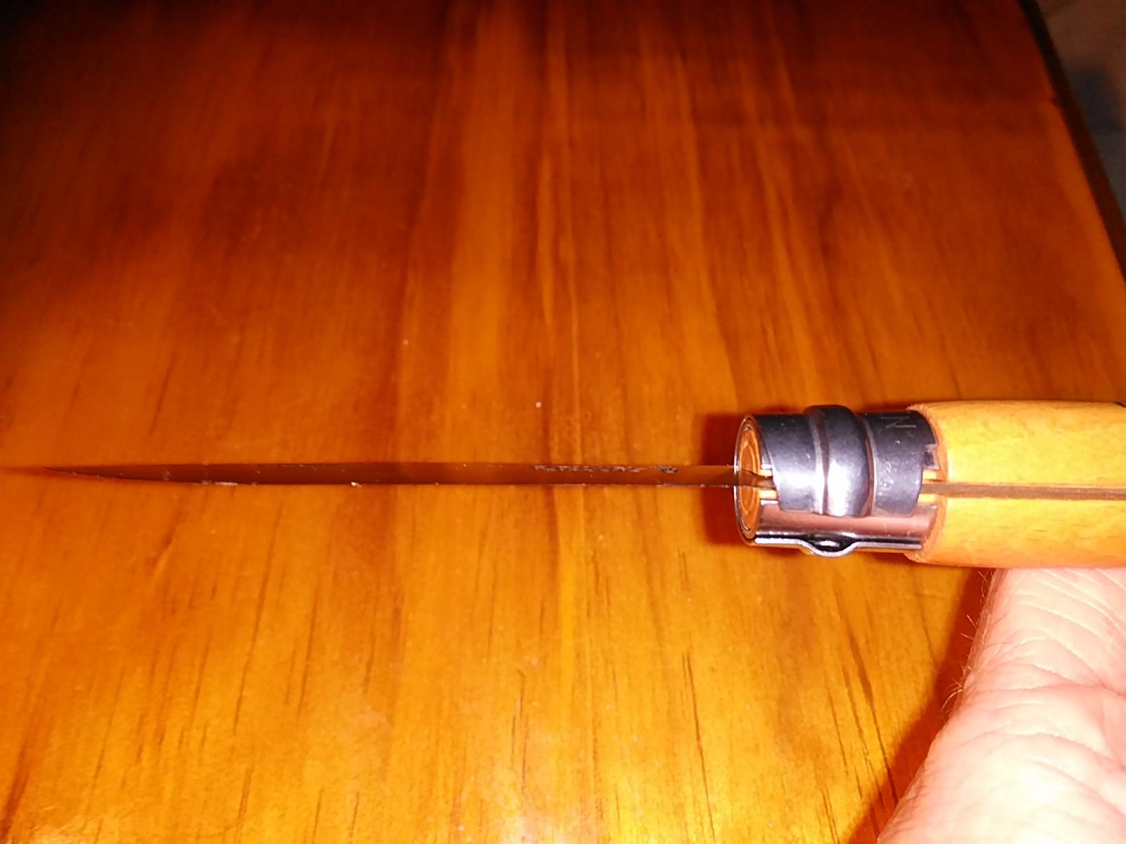 opinel-no7-carbon-knife-09.jpg
