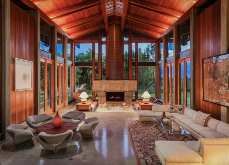 Sports enthusiasts of many stripes will appreciate the professional tennis court, premier equestrian facilities, and magnificent indoor pool and spa offered at the 61.24-acre  Del Dios Ranch , one of the largest available tracts in coveted Rancho Santa Fe, California.