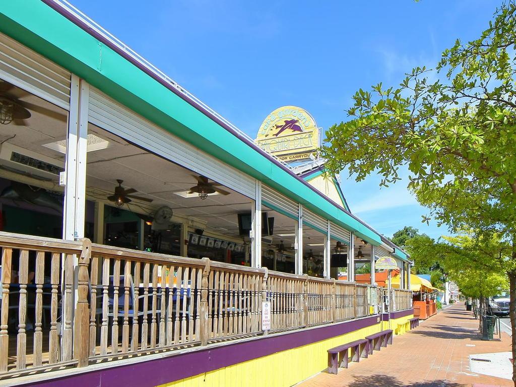 4660 Beach Rd Siesta Key FL-057-11-chpteam 56-MLS_Size.jpg