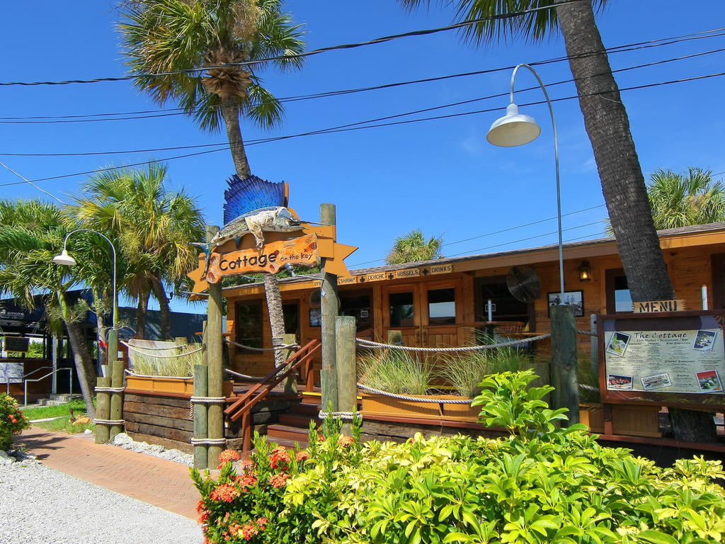 4660 Beach Rd Siesta Key FL-059-13-chpteam 58-MLS_Size.jpg