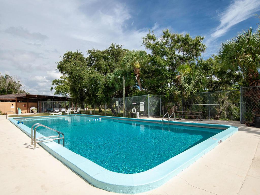 3026 Pinecrest St Sarasota FL-048-32-chpteam amens05-MLS_Size.jpg