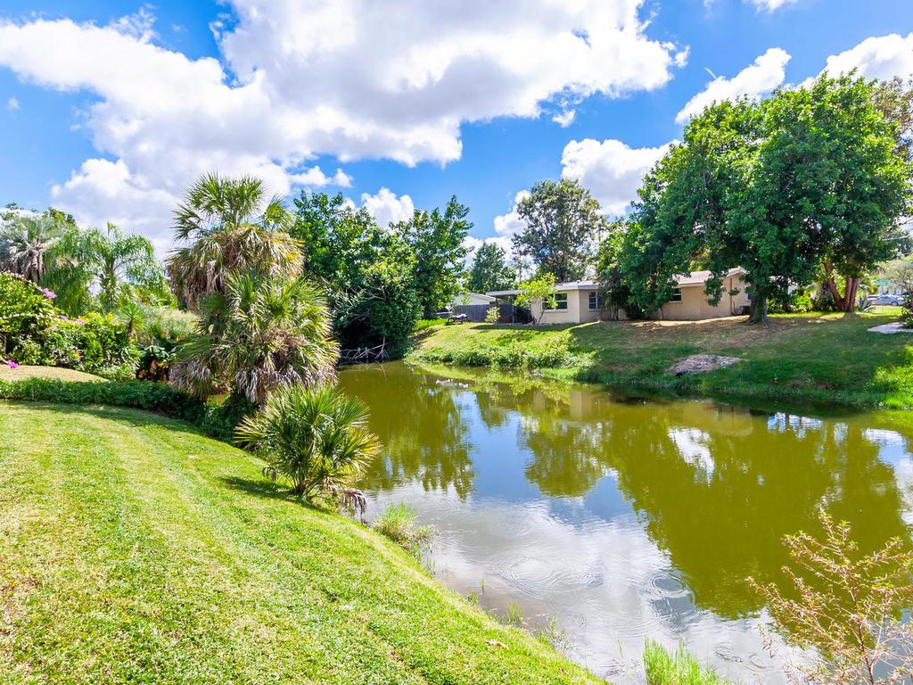 3026 Pinecrest St Sarasota FL-038-30-chpteam38-MLS_Size.jpg