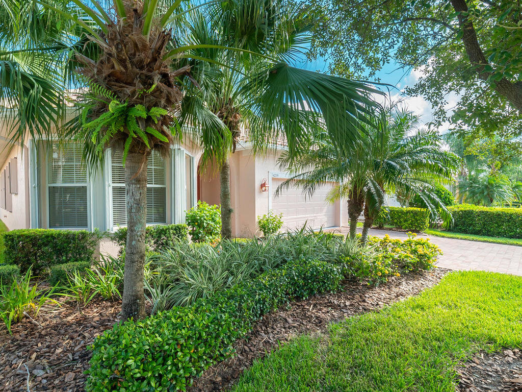 4219 64th Dr E Sarasota FL-006-013-C H P TEAM 006-MLS_Size.jpg