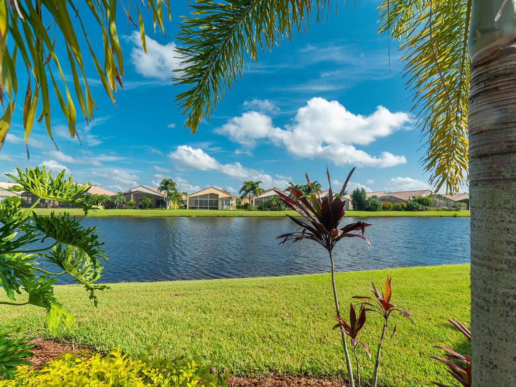 4219 64th Dr E Sarasota FL-040-016-C H P TEAM 044-MLS_Size.jpg