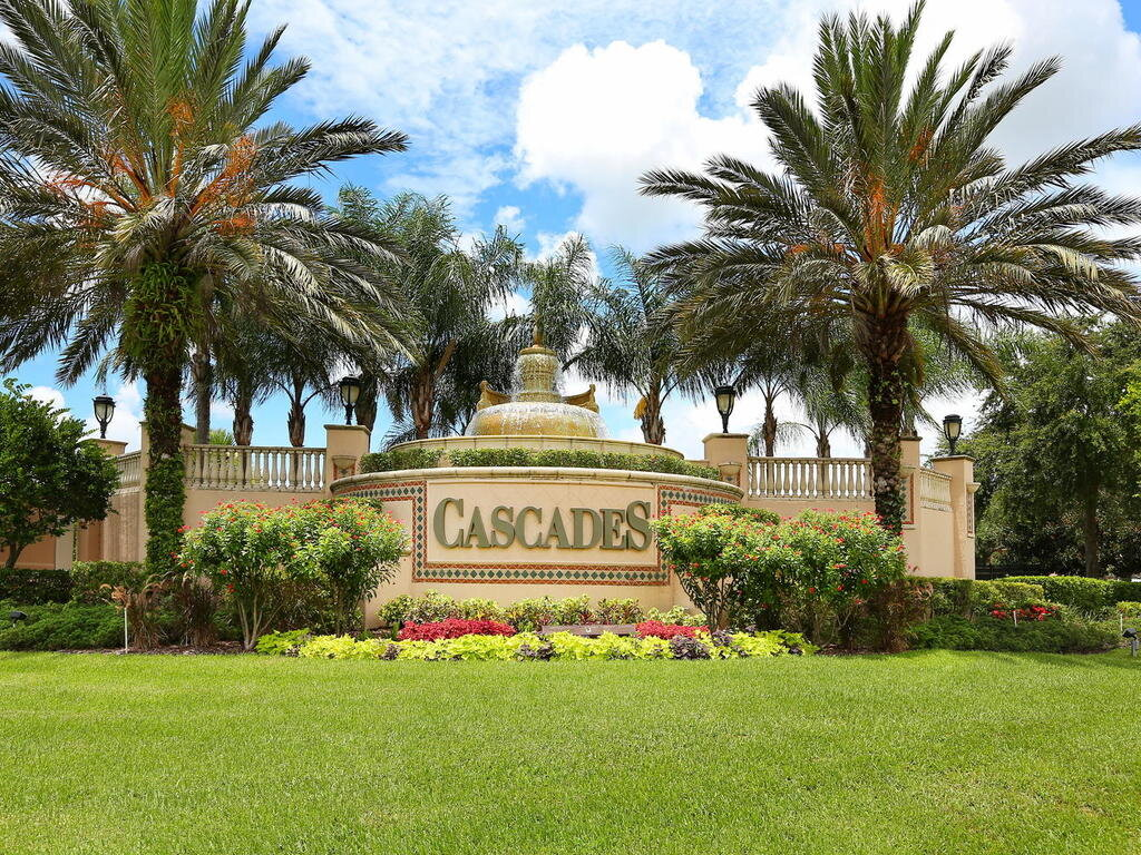 4219 64th Dr E Sarasota FL-063-060-CHPTEAM AMENITIES 019-MLS_Size.jpg