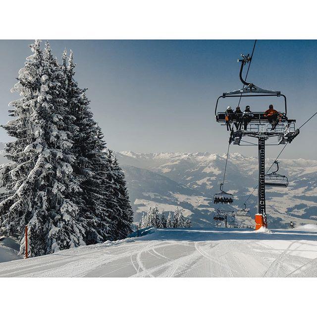 Skilift in Austria🗻🏔⛷ . . . . . . . . . #austria #mountains #tirol #brixen #hopfgarten #skiwelt #skiing #ski #skilift #holiday #vacation #forest #tree #snow #cloud #sky #vsco #vscocam #sonya6300 #picture #picoftheday