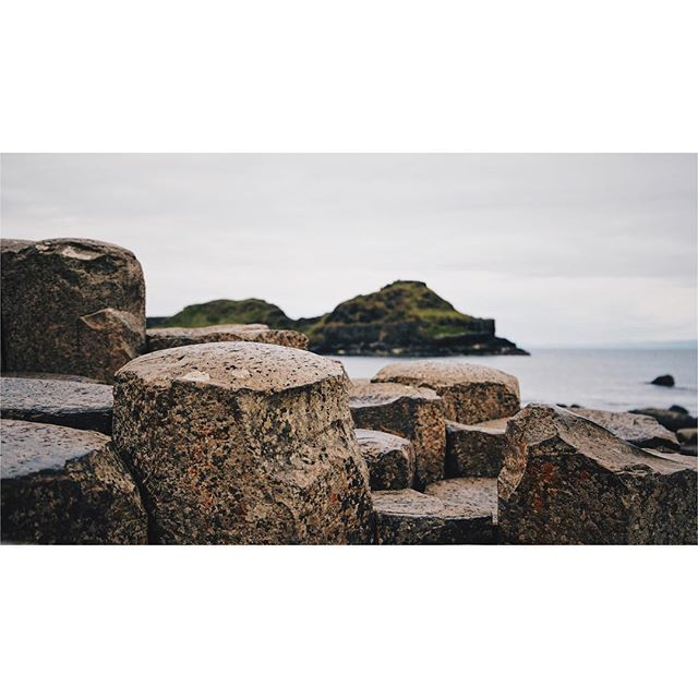 Giant's Causeway is magical! . . . . #ireland #ireland_gram #insta_ireland #icu_ireland #giantscauseway #northernireland #sea #ocean #stones #lava #picture #picoftheday #vsco #vscocam #sonya6300 #sky #cloud #clouds #water #loves_ireland #photogrid #rocks