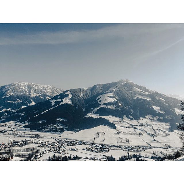 The mountains of Austria🗻🏔 . . . . . . . . . #austria #mountains #tirol #brixen #westendorf #skiwelt #skiing #ski #holiday #vacation #forest #tree #snow #cloud #sky #vsco #vscocam #sonya6300 #picture #picoftheday