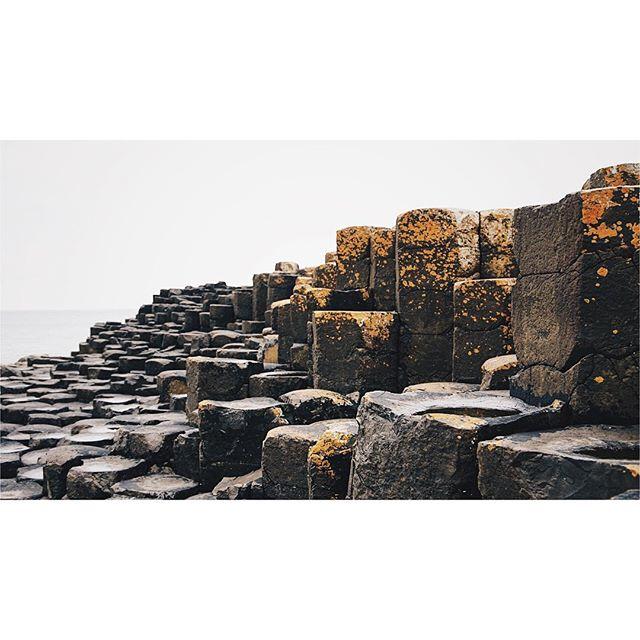 Giant's Causeway in Northern Ireland. A magical and beautiful place! . . . . . #giantscauseway #northernireland #ireland #sea #ocean #causeway #giantscausewaycoastalroute #coastalroute #coast #vsco #vscocam #sonya6300 #sonya6300 #picture #picoftheday #photogrid #stone #rocks #ireland_gram #icu_ireland #insta_ireland
