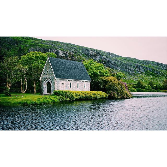 Gougane Barra is such a beautiful place. You'll have to visit it once in your life!! . . . . . . . . . #ireland #gouganebarra #gougane #barra #lake #church #tree #water #forest #park #ruin #vsco #vscocam #sonya6300 #icu_ireland #insta_ireland #ireland_gram #loves_ireland