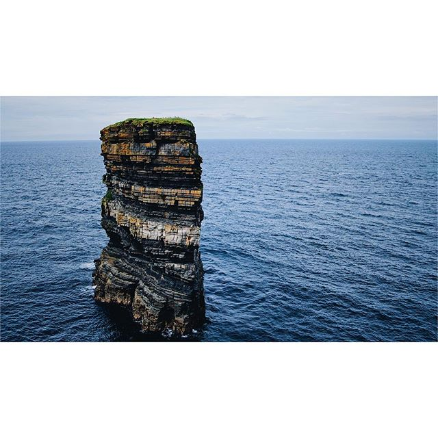Downpatrick Head . . . . . . #downpatrickhead #down #patrick #head #ireland #countymayo #mayo #sea #ocean #cliffs #clouds #horizon #water #rocks #grass #birds #vsco #vscocam #sonya6300 #insta_ireland #icu_ireland #loves_ireland