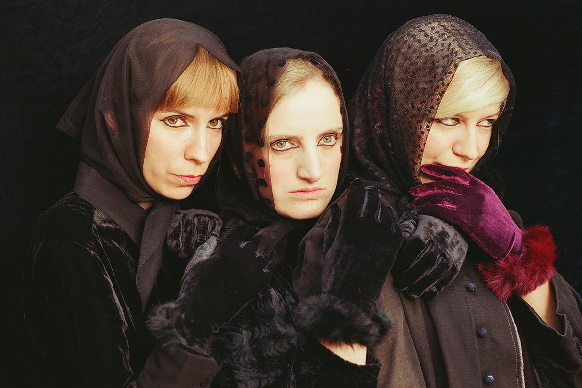 Three Witches-05.jpg