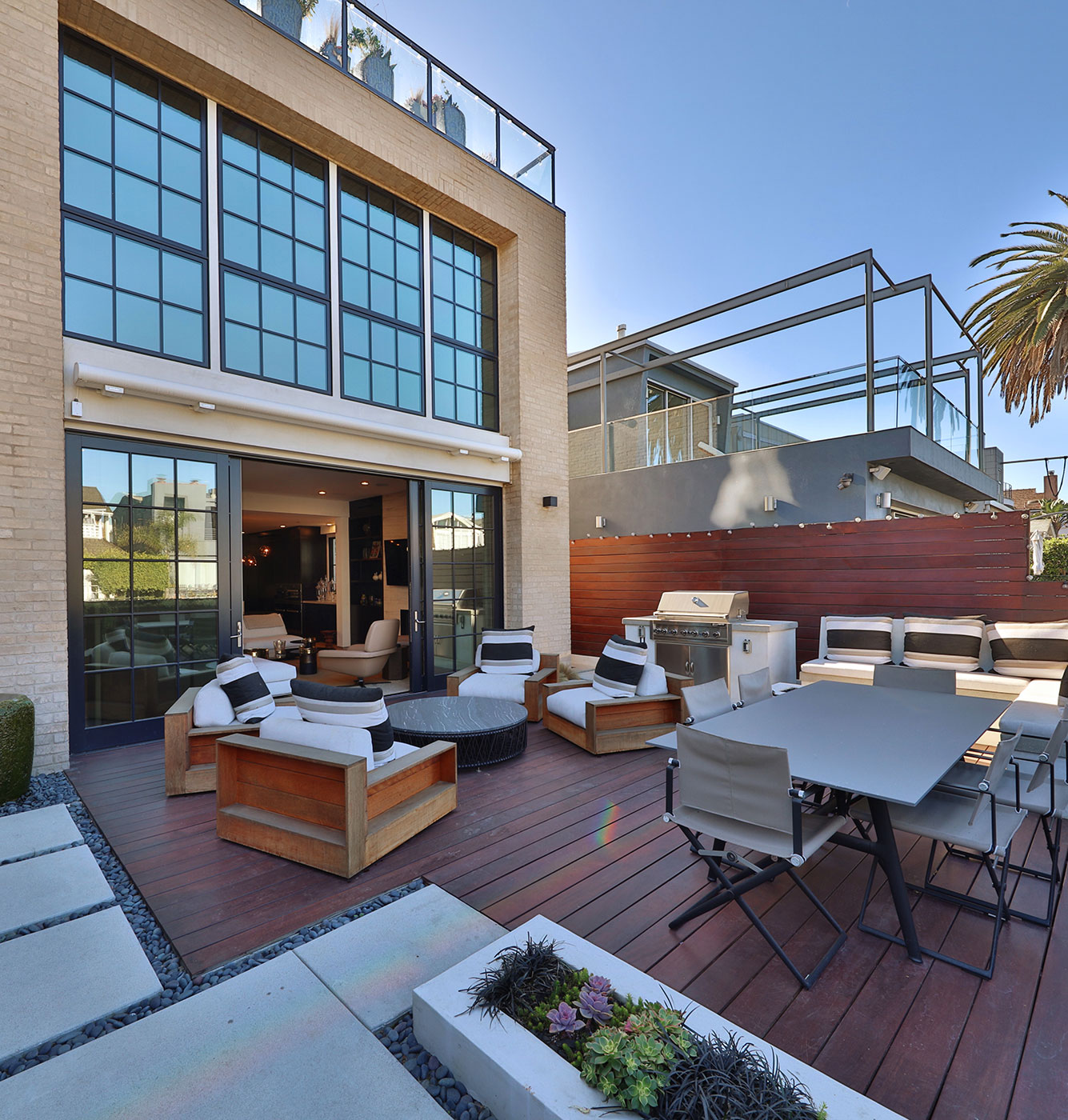 Outdoor-living-modern-architechture-SiliconBay-LosAngeles.JPG