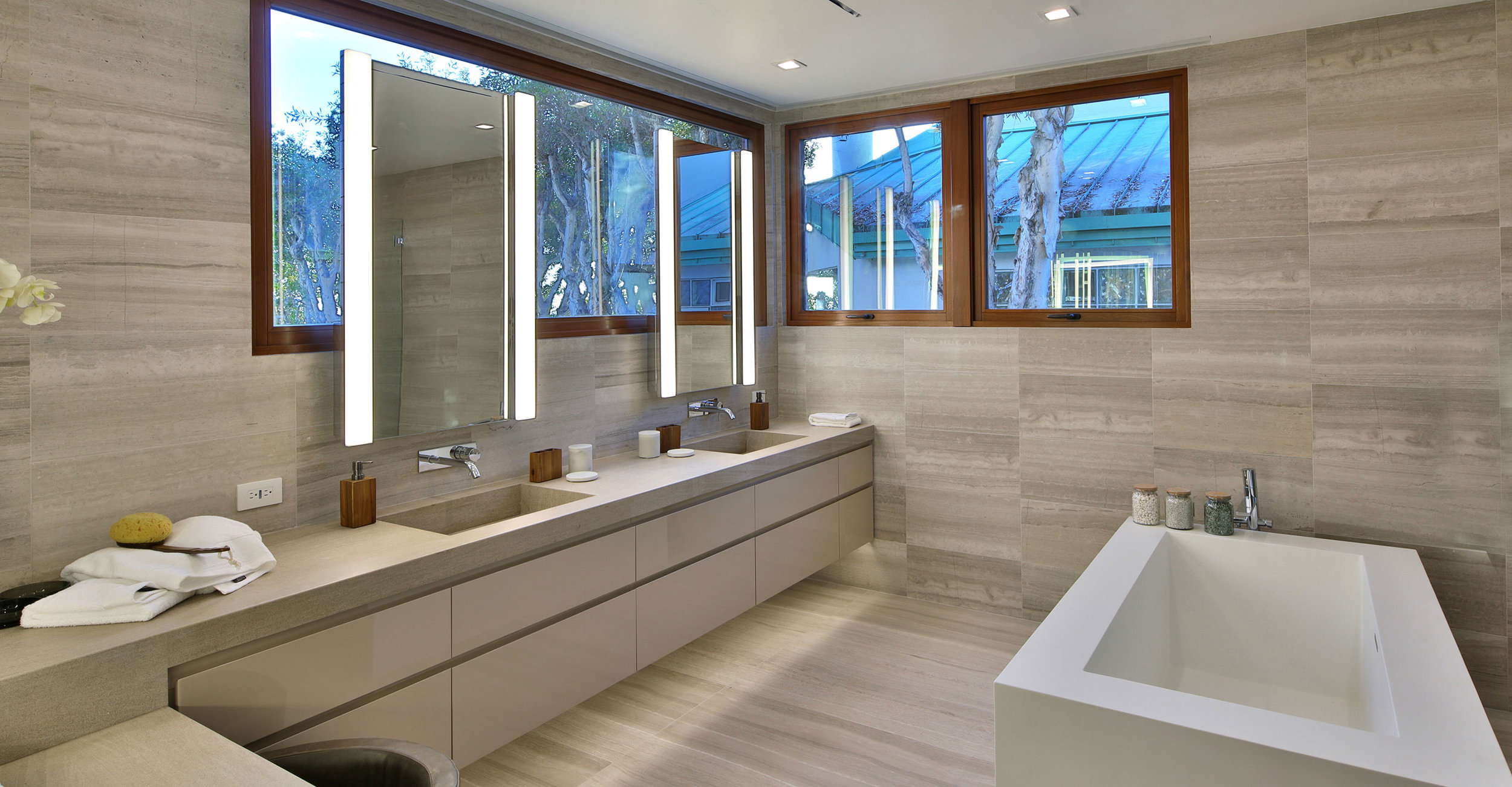 9-contemporary-master-bath-SiliconBay-luxury-los-angeles.jpg