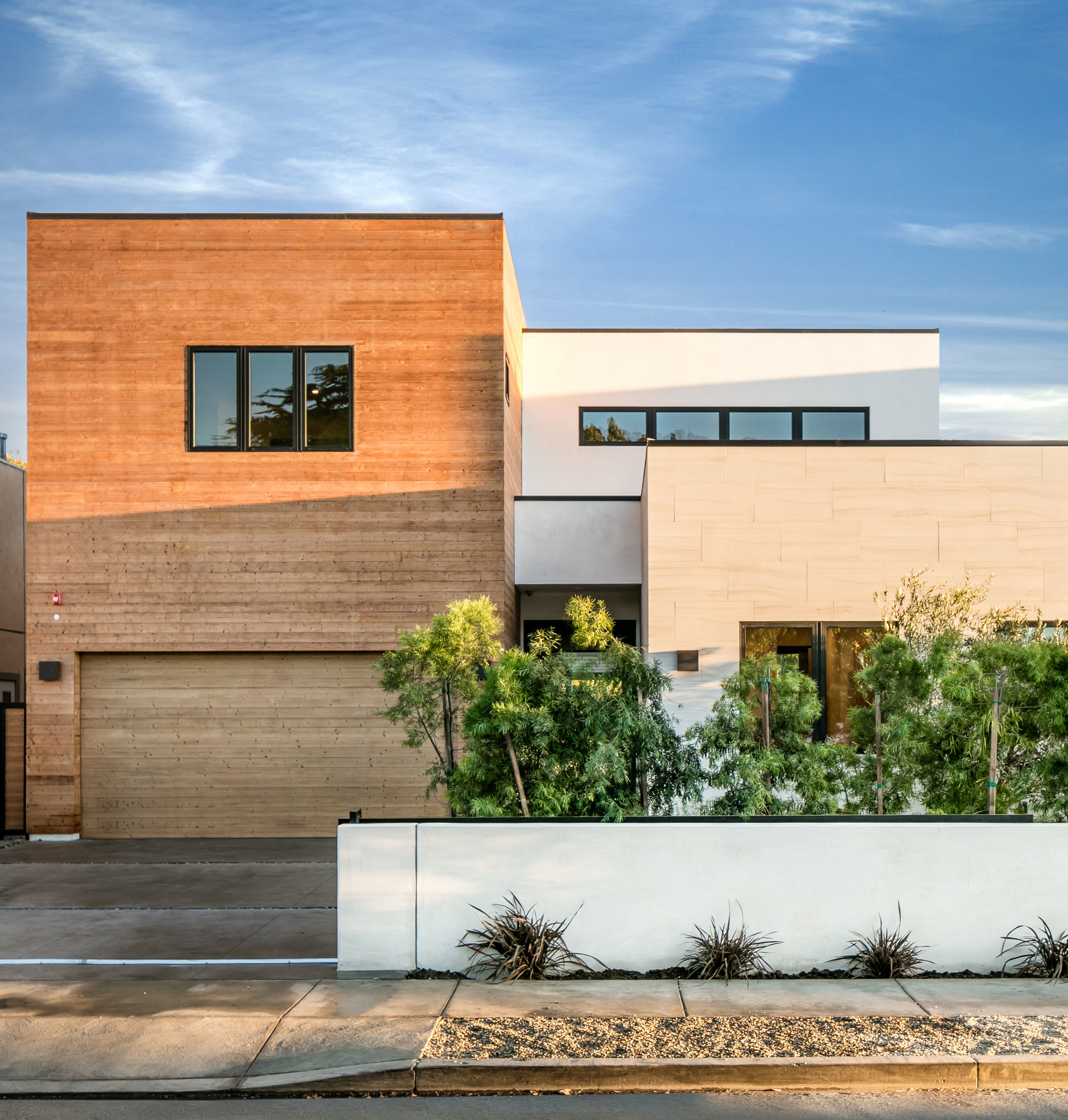 1-Contemporary-Architecture-LosAngeles-exterior-SiliconBay.jpg