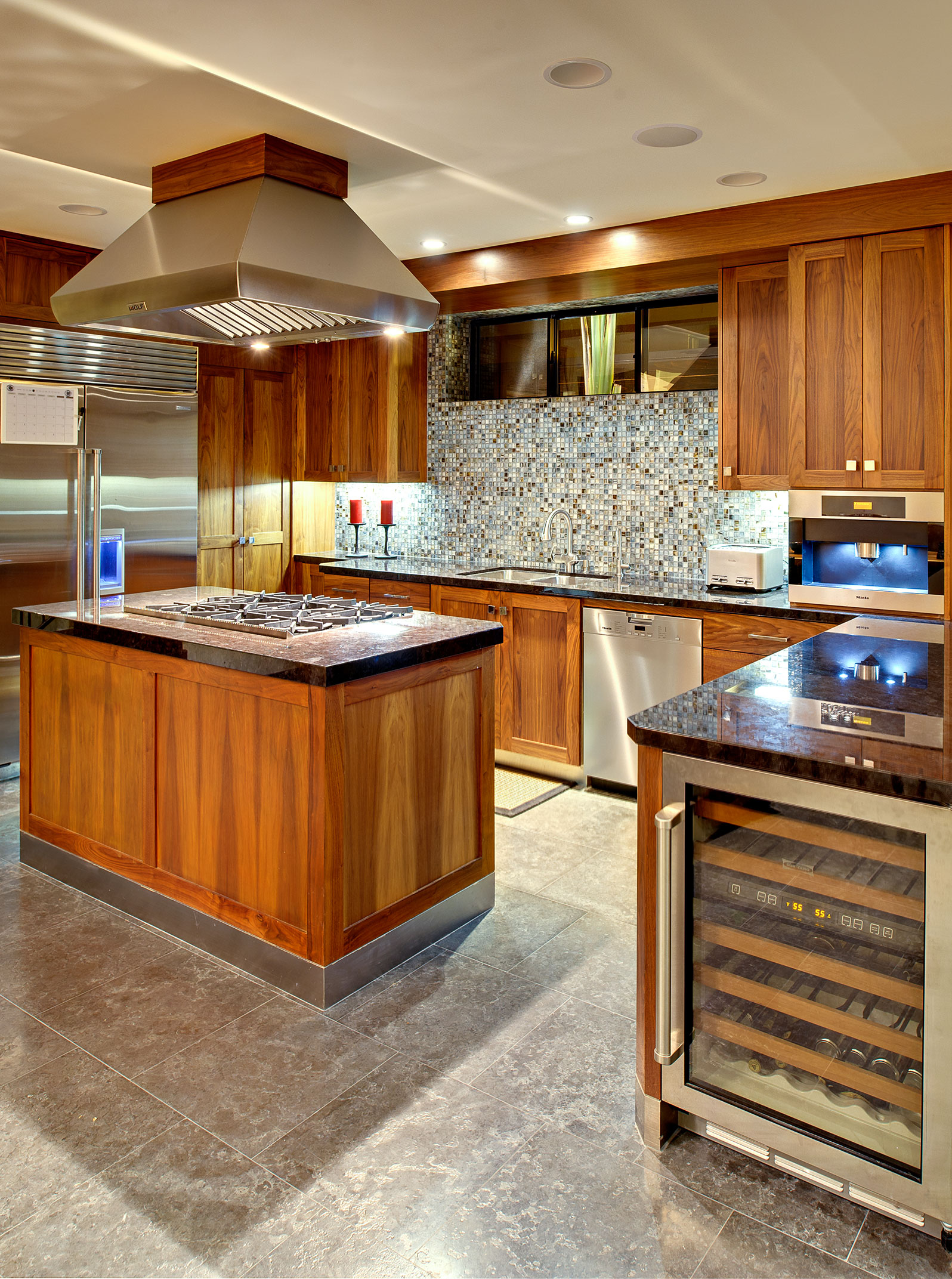 6-Modern-kitchen-los-angeles-SiliconBay-luxury.jpg