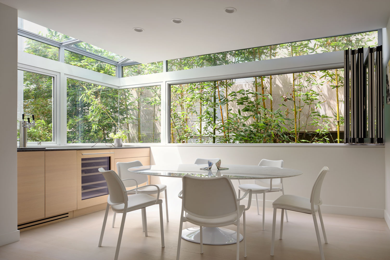 silicon-bay-contemporary-dining-room-retractable-windows.jpg