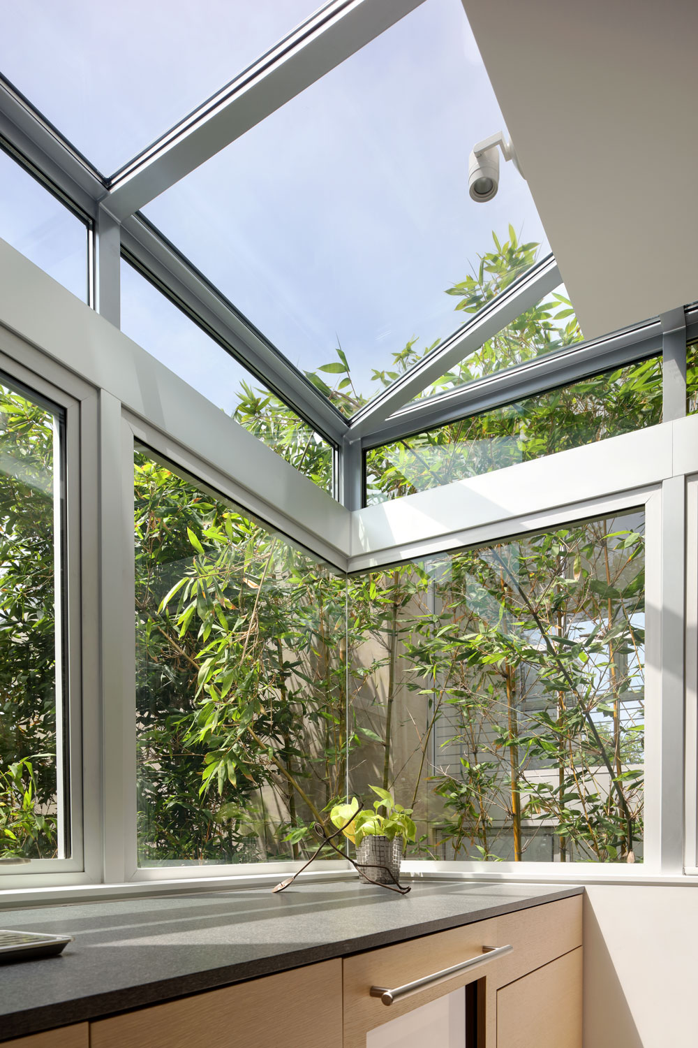 modern-garden-window-silicon-bay.jpg