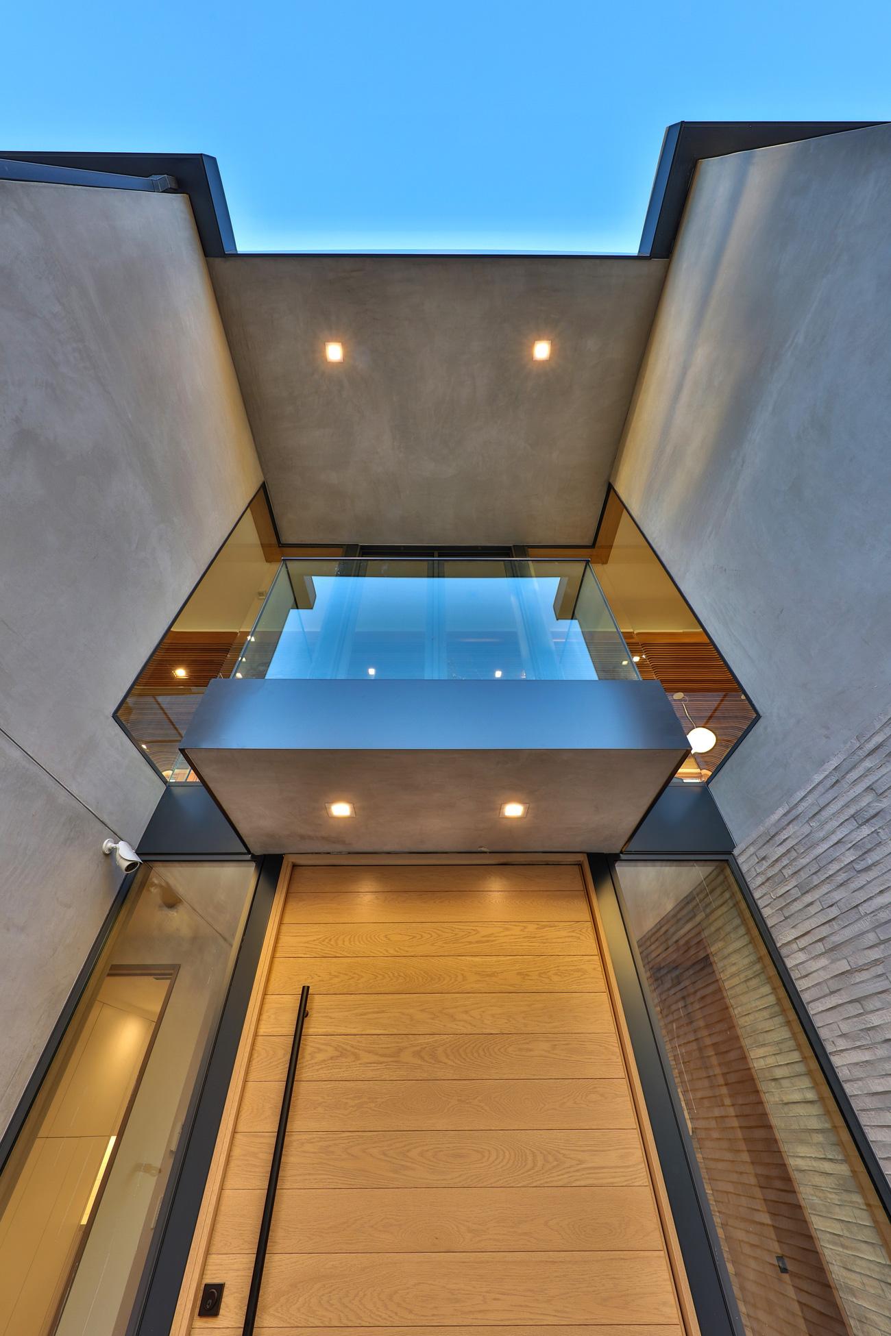 contemporary-beach-house-front-entry-silicon-bay.jpg