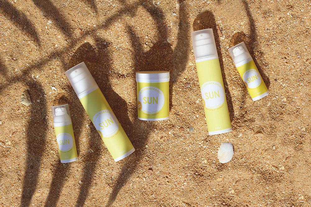 solumineraali-solumineraalit-sun-suncare-group-beach.jpg