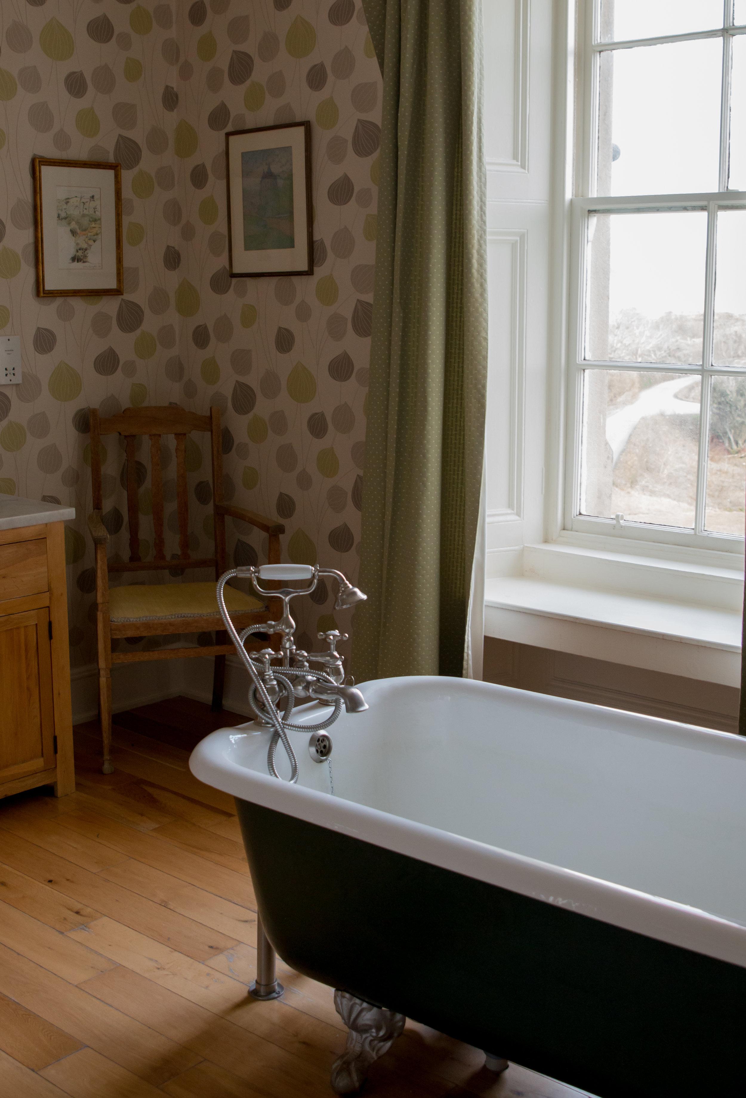 I adored this bath tub.