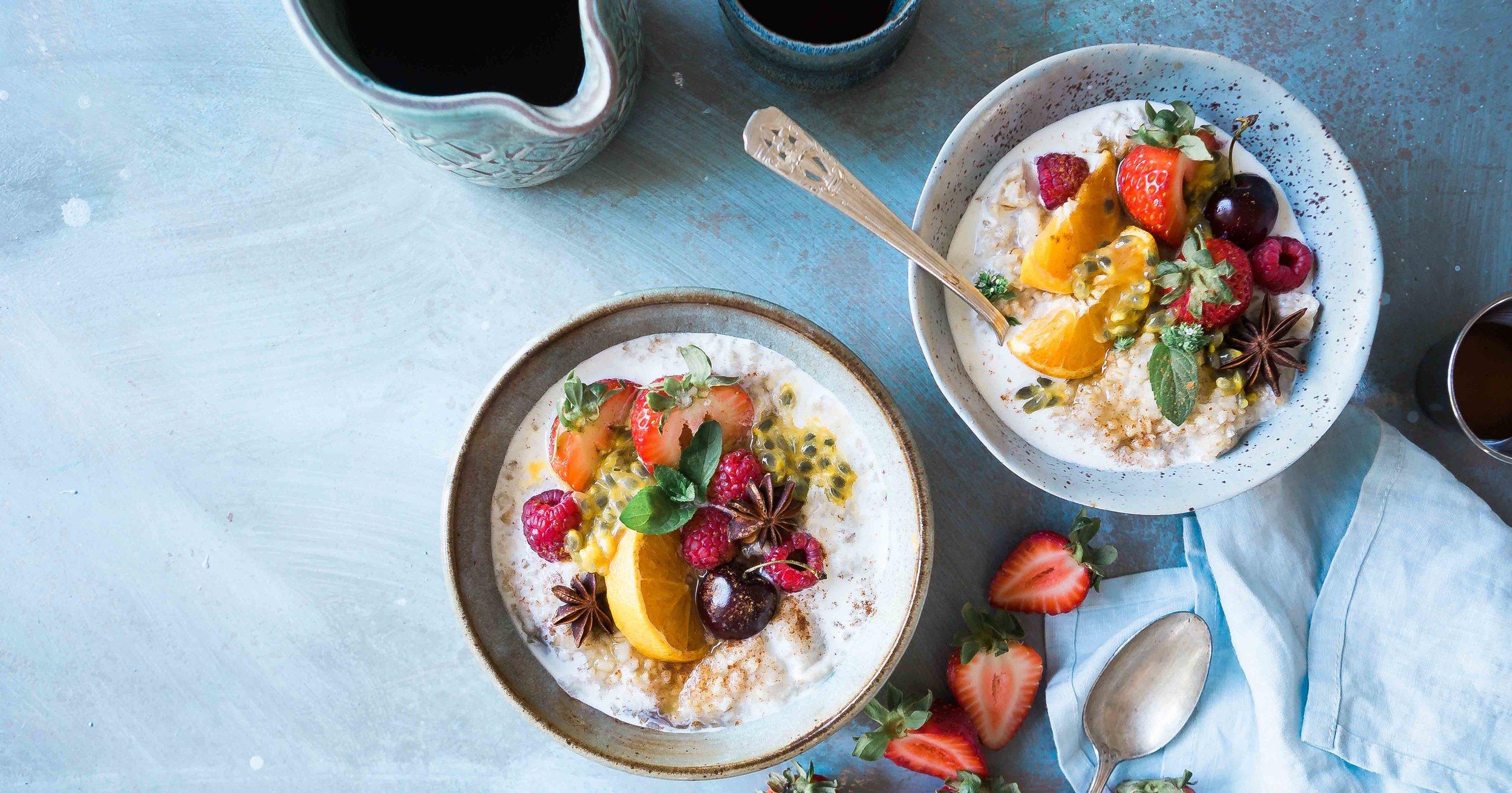 oatmeal fruit bowl_vegan nutrition.jpg